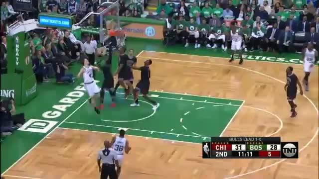 Zipsers Bulls überrollen die Celtics
