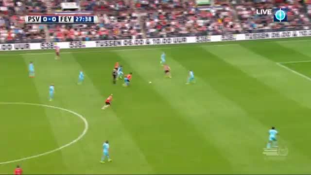 Später Hammer! Feyenoord schockt FCB-Gegner PSV