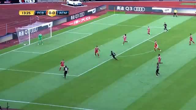 Bayern-Klatsche mit vier Milan-Watschn