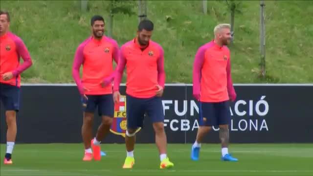 Natürlich Blond! Messi hat die Haare schön