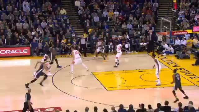 Dunk-Show der Warriors gegen die Suns
