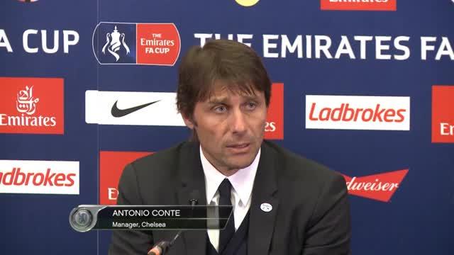 Trotz Finaleinzug: Conte denkt an Liga