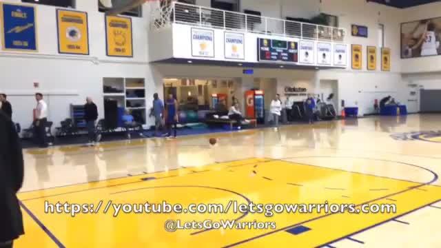 Curry mit dem Fuß! Wahnsinns-Korb im Training