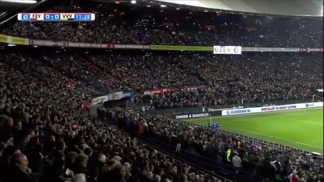 Gänsehaut-Moment: Fans singen für ihren Torwart