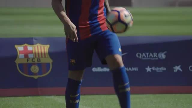 Transfer-News: BVB heiß auf Barca-Star