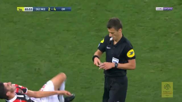 Blutgrätsche! Ex-Bayer Luiz Gustavo sieht Rot