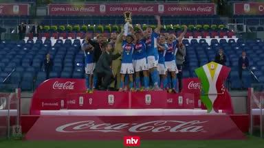 Neapel klaut CR7 den Pokal - Fans feiern trotz Corona