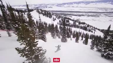 Irrer Snowboard-Wettbewerb im Gelände