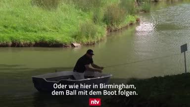 Kurios: Golfer folgt Ball mit dem Boot