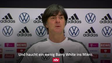 Drollig: Joachim Löw singt Song von Barry White!