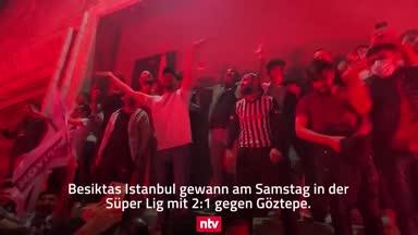 Trotz Corona! So feiern die Fans Besiktas' Meisterschaft