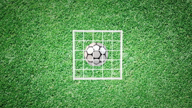 J1 League: Fernando Torres köpft ihn rein
