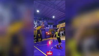 Einarmiges Basketball-Talent verblüfft selbst die NBA-Stars
