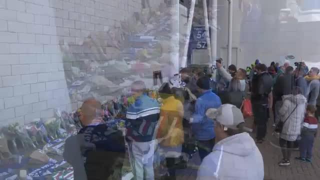 Nach Tragödie: Leicester-Fans trauern am Stadion
