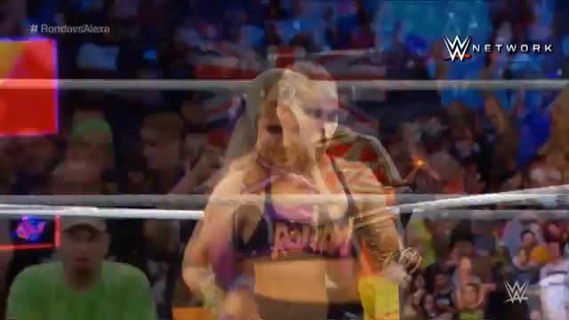 WWE: Rowdy Ronda Rousey holt sich den Titel