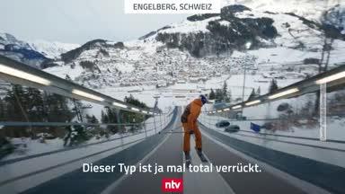 Irrer Sprung rückwärts von der Skisprungschanze