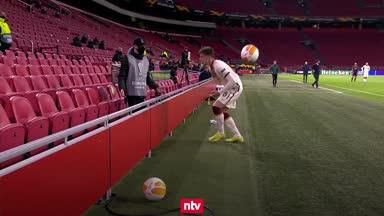 Europa-League-Aufreger: Balljunge wirft Spieler ab