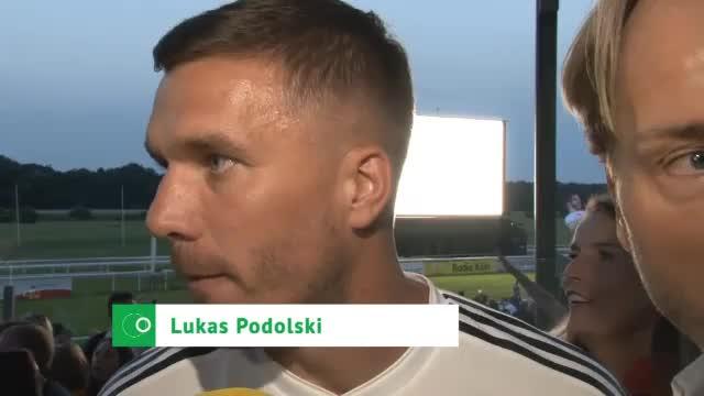 """Podolski nach Drama-Sieg: """"Karten neu gemischt"""""""