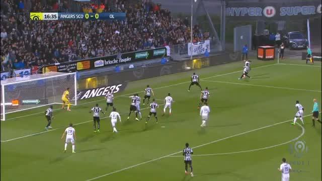 Angers-Keeper patzt Lyon zum Auswärtssieg