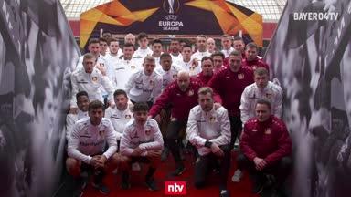 Say no to racism! Bayer-Kampagne vor Porto-Spiel