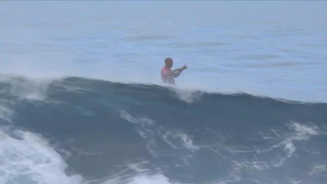 Surfen: Slater mit historischem Ritt