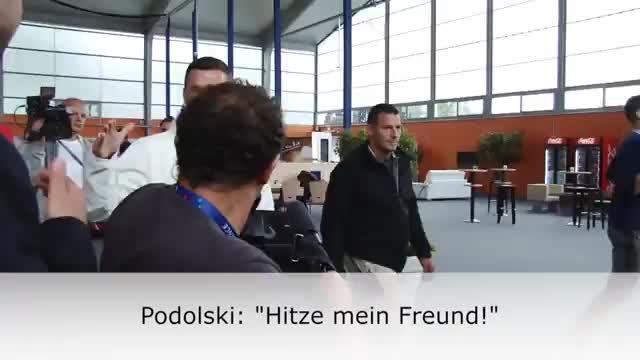 EM 2016: Podolski scherzt mit Hitzlsperger