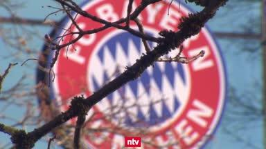 Jérôme Boateng vom FC Bayern München bestraft
