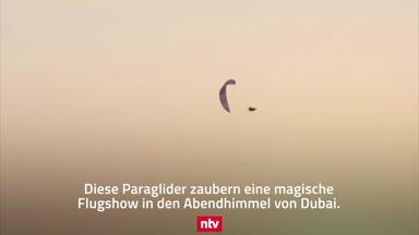 Atemberaubende Paragliding-Flugshow in Dubai