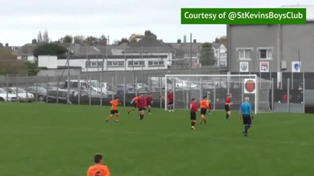 Irland: Junge kopiert Girouds Tor des Jahres