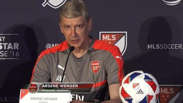 """Wenger: """"Mertesacker fällt einige Monate aus"""""""