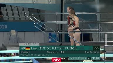 Hier springen Lena Hentschel und Tina Punzel zu Bronze