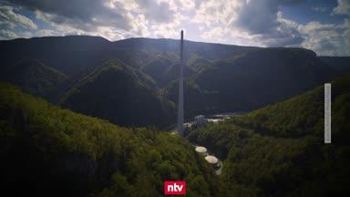 Irre Bilder! Sportkletterer erklimmen 360 Meter hohen Schornstein
