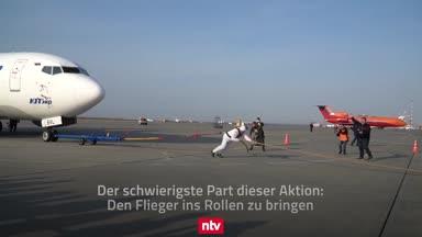 Strongman: Wenn ein einzelner Mensch ein Flugzeug zieht