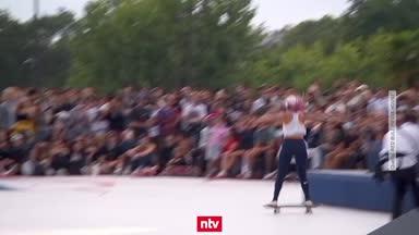 Neymar und Co. genießen Skateboard-Spektakel
