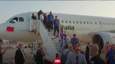 Italien wird feierlich in der Heimat begrüßt
