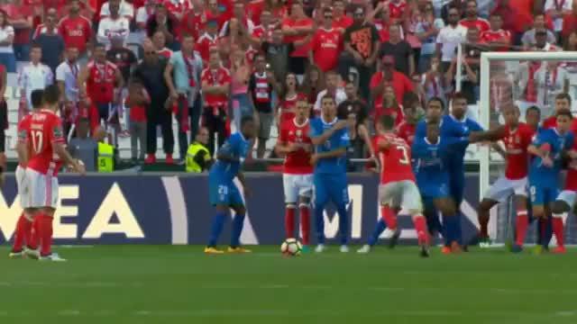 Benfica-Gala mit Slapstick- und Zauber-Toren