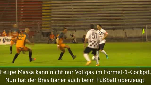 Felipe Massa gibt auch am Ball Vollgas