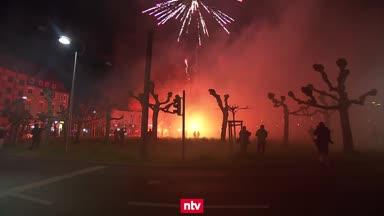 So feiern rund 200 BVB-Fans am Dortmunder Borsigplatz