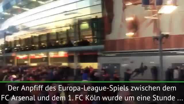 Blocksturm! Verzögerung bei Arsenal gegen Köln