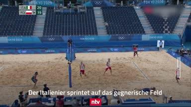 Wahnsinns-Ballwechsel beim Beachvolleyball