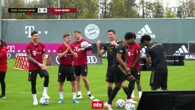 Starke Idee! Hier lacht Bayern beim Elfer-Training