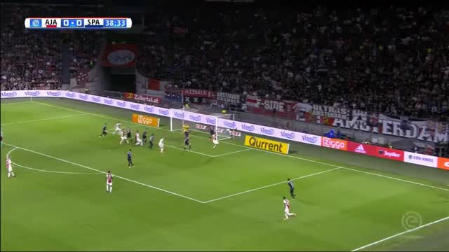 Ajax siegt kurios 4:0, Younes mit Rücken-Tor!