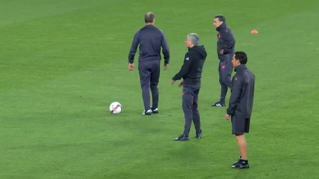 Mourinho versagt bei Lattenschuss-Challenge